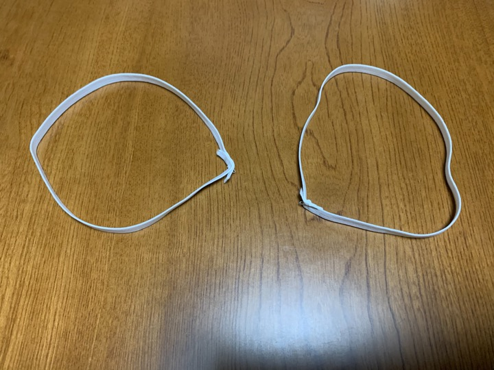 ゴム紐で輪を作る